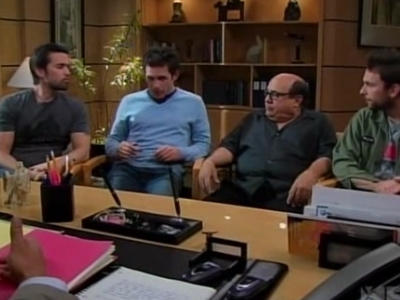 S03E07 - The Gang Sells Out